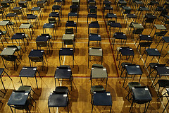 Photo of empty desks by Richard Lee on Flickr