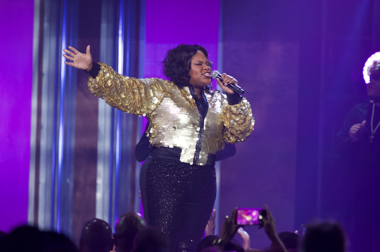 Tasha Cobbs performs at 2016 Stellar Awards.
